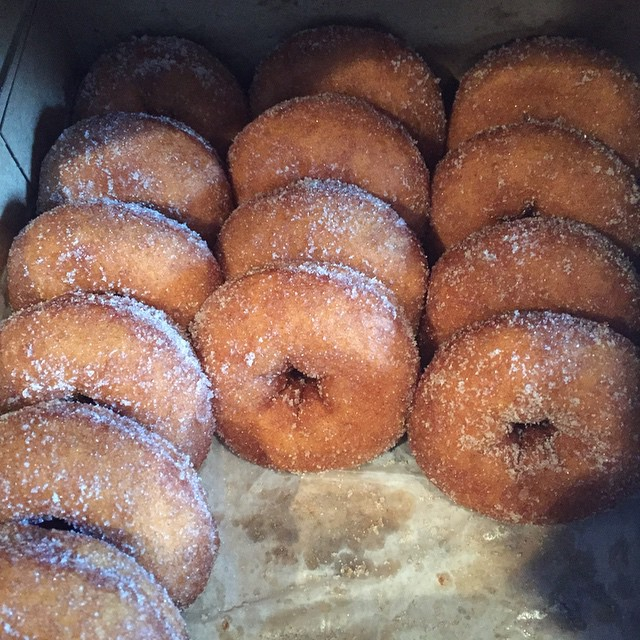 Woke up to these beauties peeking up at me. #parents #breakfast #diabetes #thankful #donuts #stillwarm